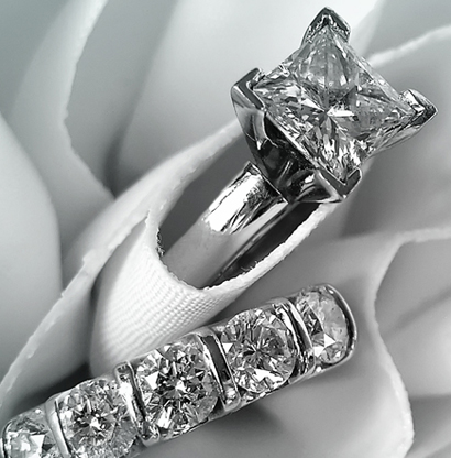 engagement-diamond-set-inner.jpg